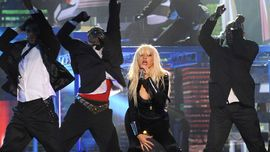 """Christina Aguilera """"Genie in a Bottle/Keeps Getting Better (Live)"""""""