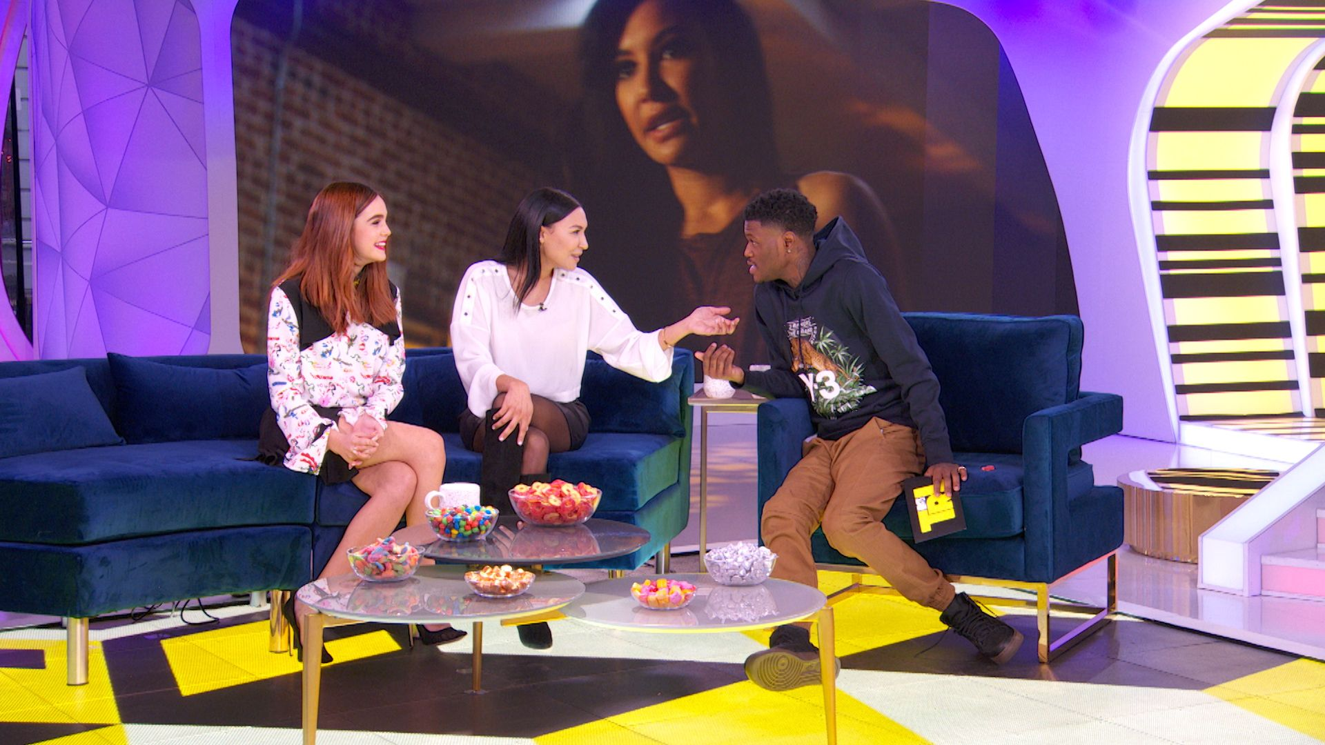 Highlight Bailee Madison And Naya Rivera Talk Embarrassing Texts