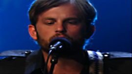 Kings Of Leon 'Use Somebody (Live)'