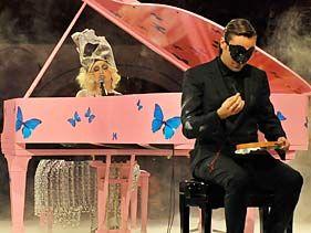 Lady Gaga Performs At MOCA's 30th Anniversary (Video Clip) | MTV