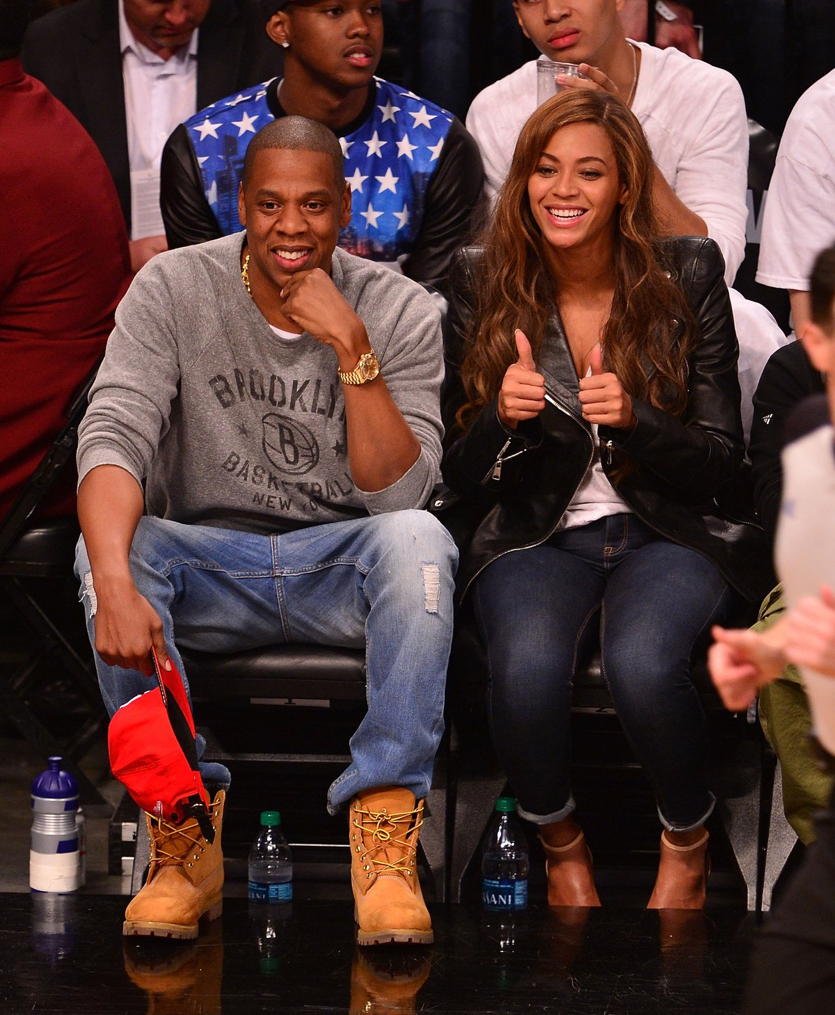 Thumbs up for Jay Z and Beyonce