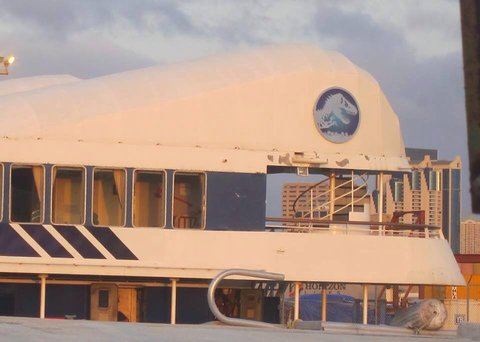 jurassicworldboat1