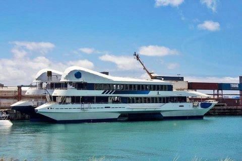 jurassicworldboat3