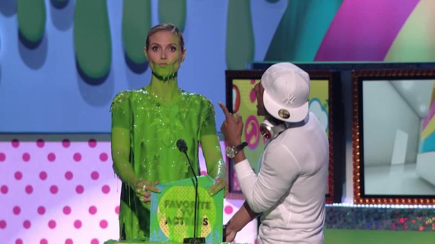 ¡VOTA POR TU NOMINADO ESPAÑOL FAVORITO A LOS KIDS' CHOICE AWARDS 2017!