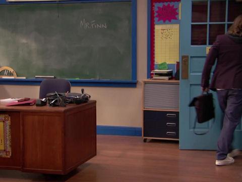 Mr. Finn se va