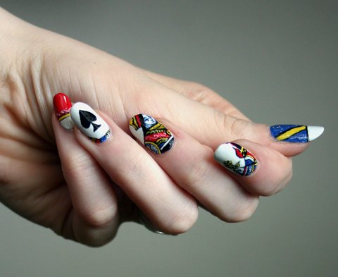 Queen of Hearts nail art