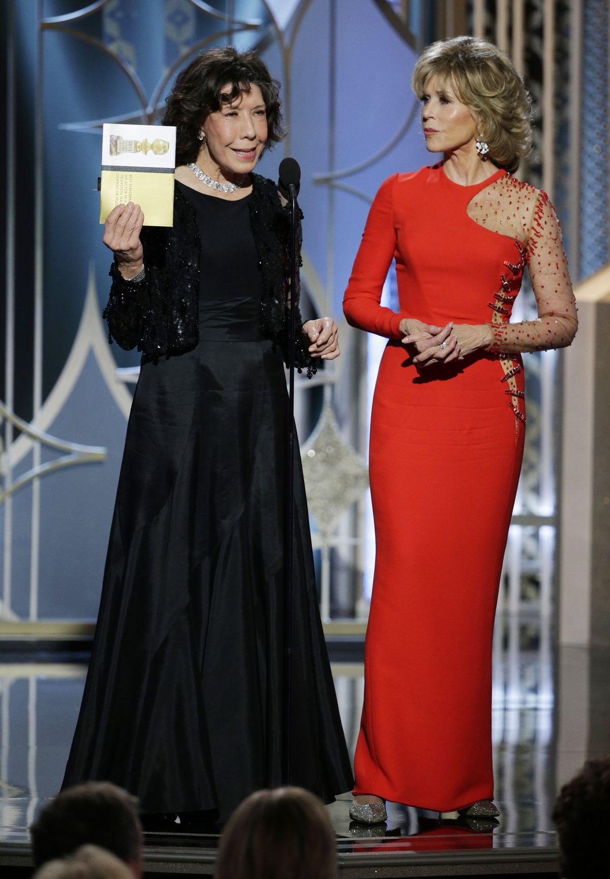 Lily Tomlin and Jane Fonda at 2015 Golden Globes