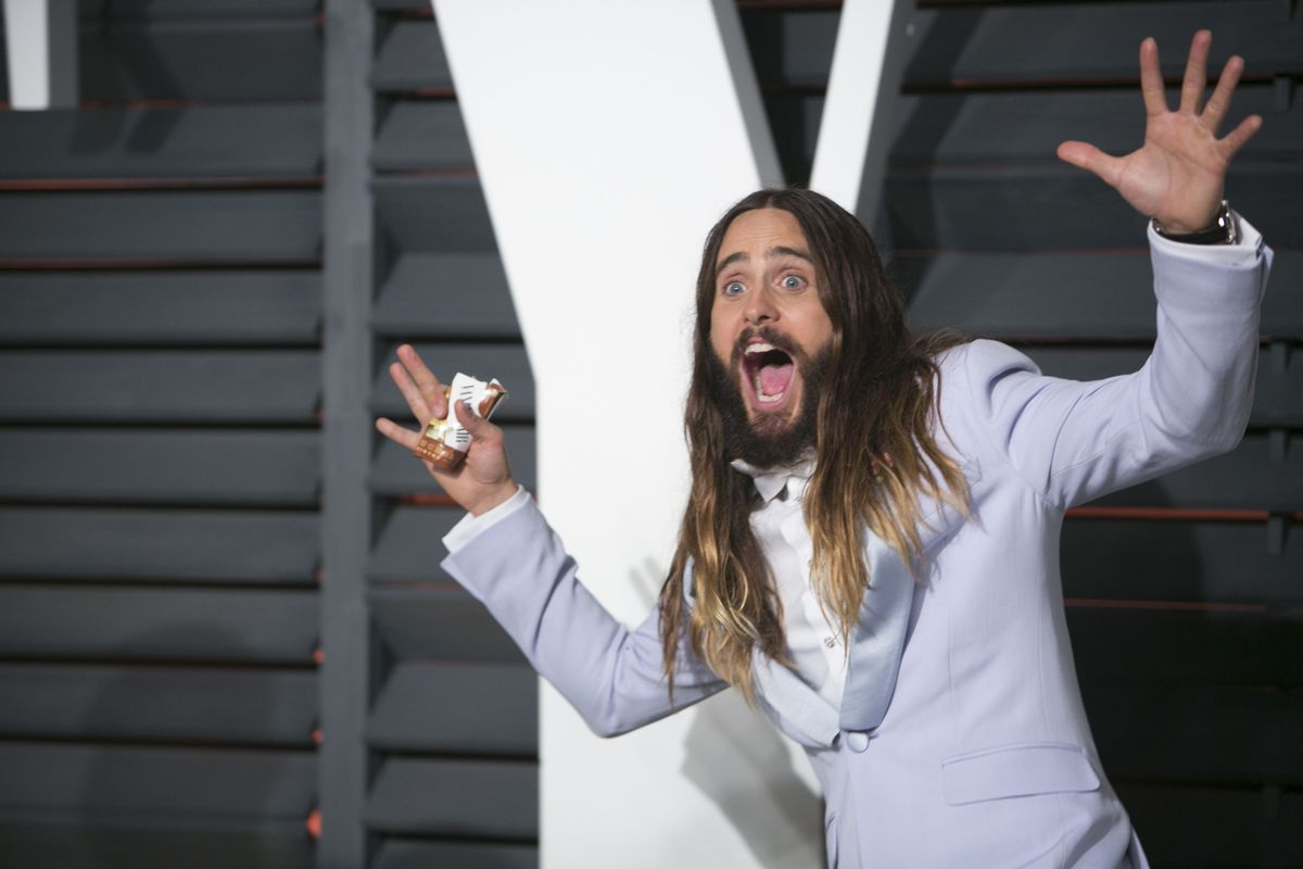 14 Pictures Proving That Jared Leto Had More Fun Than Anyone On Oscar Night Letolast-1424700230.jpg?quality=0