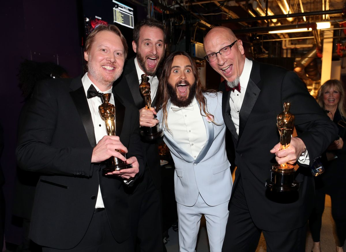 14 Pictures Proving That Jared Leto Had More Fun Than Anyone On Oscar Night Letotheseguys-1424700293.jpg?quality=0