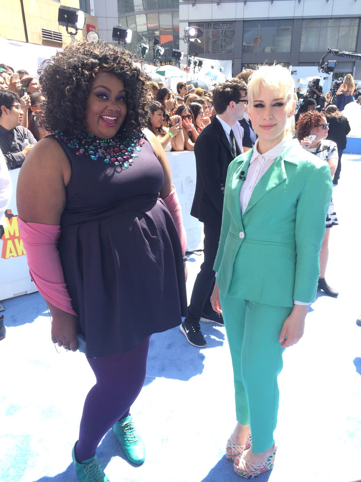 Plus size comedienne Nicole Byer hosted the Red Carpet Review at the MTV Movie Awards 2015.