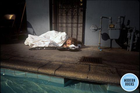 Kurt Cobain sleeping in 'Nevermind' outttakes
