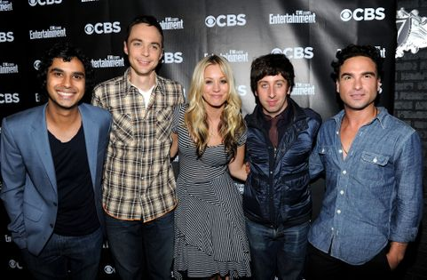 SAN DIEGO - JULY 22:  Actors (L-R) Kunal Nayyar, Jim Parsons, Kaley Cuoco, Simon Helberg and Johnny Galecki attend Comic-Con Fandemonium with EW and CBS during Comic-Con 2010 at Hard Rock Hotel San Diego on July 22, 2010 in San Diego, California.  (Photo by Michael Buckner/Getty Images for EW)