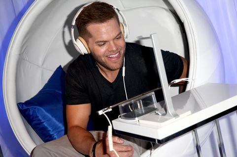 SAN DIEGO, CA - JULY 25:  Actor Wes Chatham attends the Samsung and Lionsgate premiere of the first official teaser trailer for The Hunger Games: Mockingjay - Part 1 during Comic-Con International 2014 on July 25, 2014 in San Diego, California.  (Photo by Imeh Akpanudosen/Getty Images for Samsung)