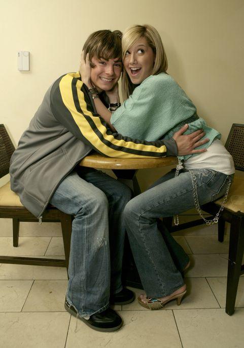 Ashley Tisdale and Zac Efron 1