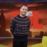 Michael Angarano Confessed To Binging 'this Is Us' On 'trl'