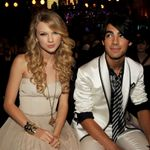 Taylor Swift Apologizes For Calling Out Joe Jonas During Their 2008 Breakup