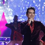 Taylor Swift And Brendon Urie Brought A Giant Butterfly To The Voice Finale