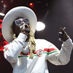 Lil Wayne Walks Off Stage While Performing For Blink-182 Fans