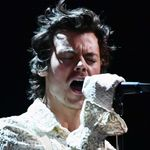 Harry Styles Kept The Tears 'Falling' With His Angelic BRITs Performance