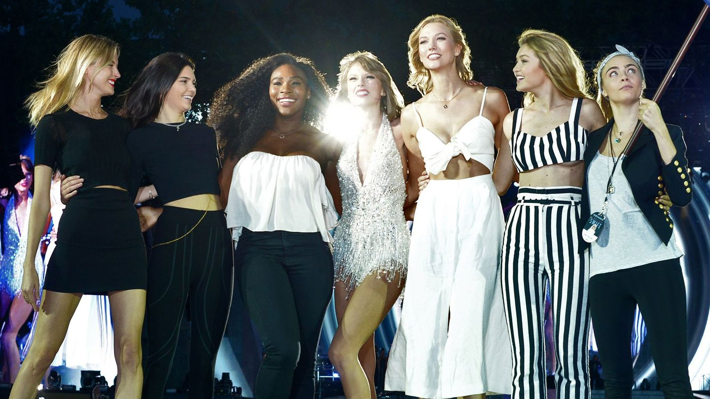 Taylor Swift Prepped Her 1989 Tour Guests With Nail Polish Floss And Towels Mtv