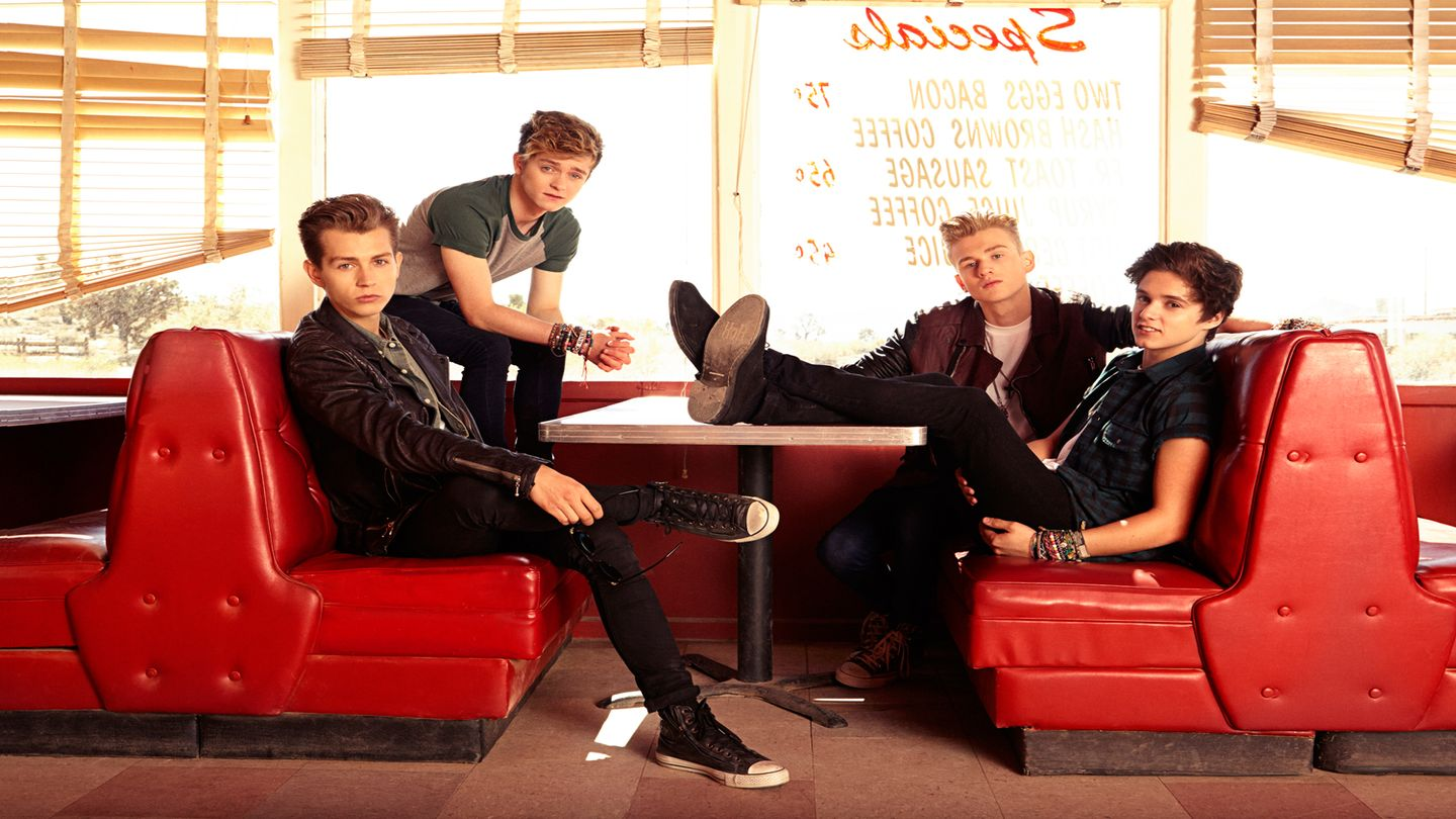 7 Reasons You Need To Start Obsessing Over The Vamps, Like, NOW