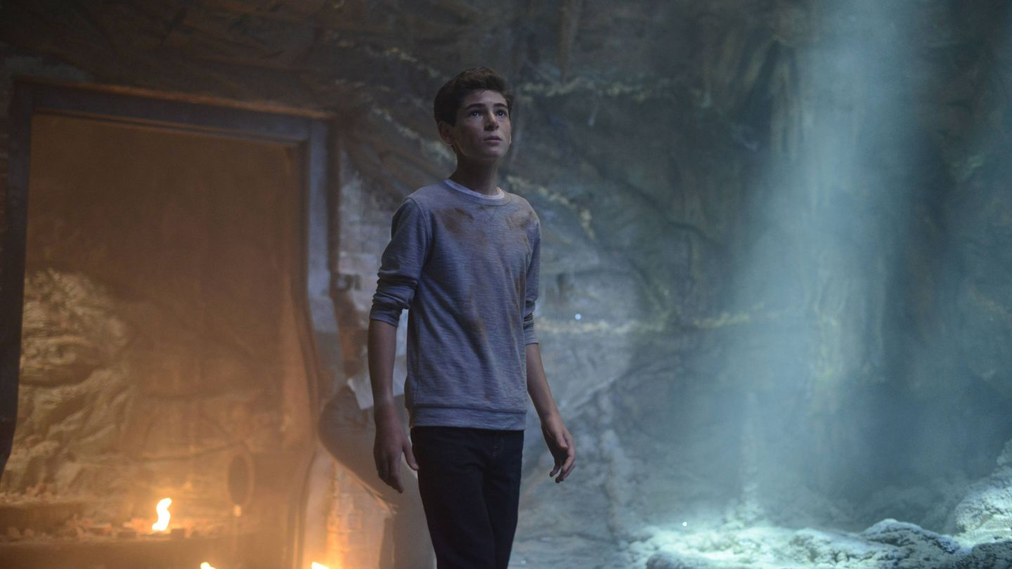 'Gotham': The Batcave Is Back In Business In 'Damned If You Do,…'