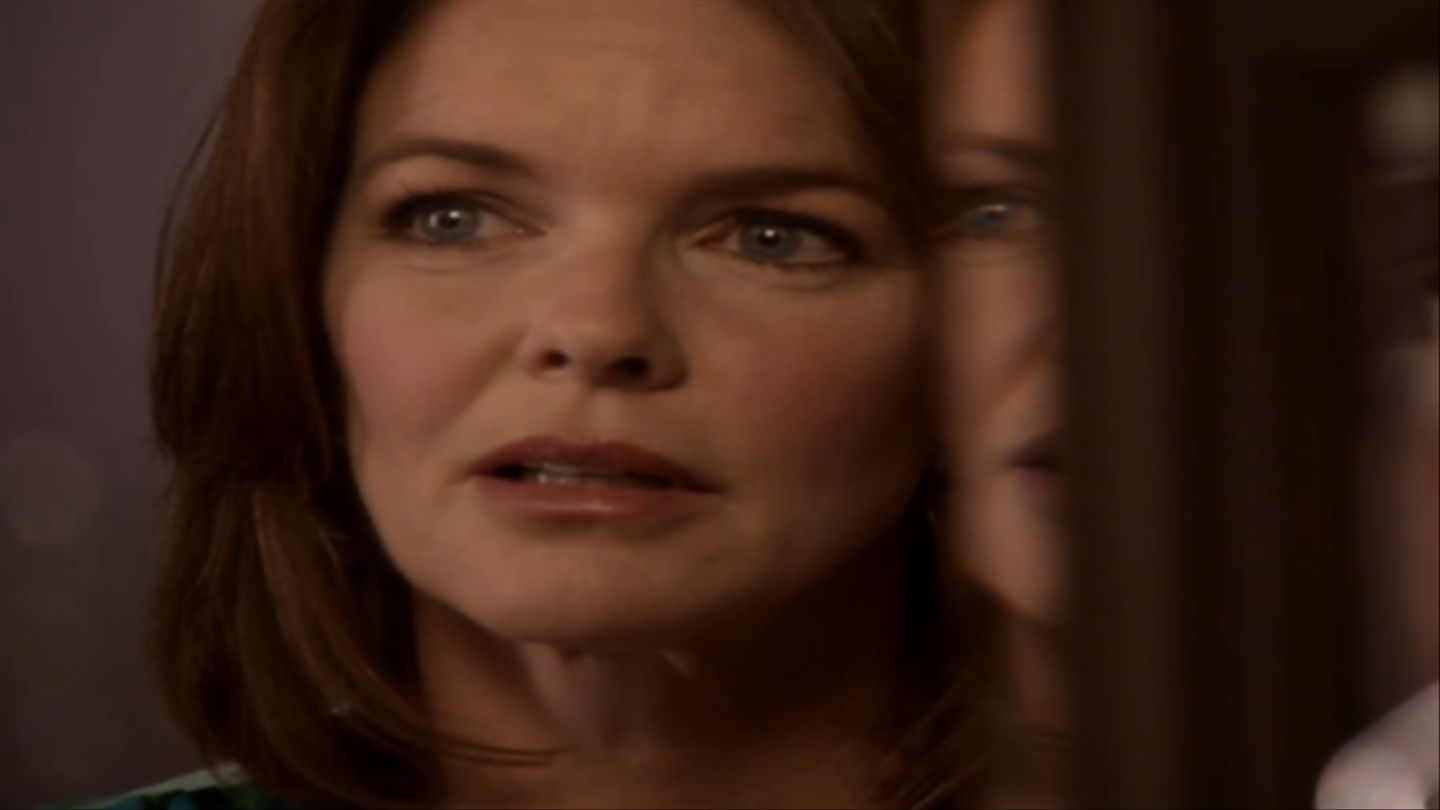 Does Lydia\'s Mom Look Familiar On \'Teen Wolf\'? Well, Does \'Mulva ...