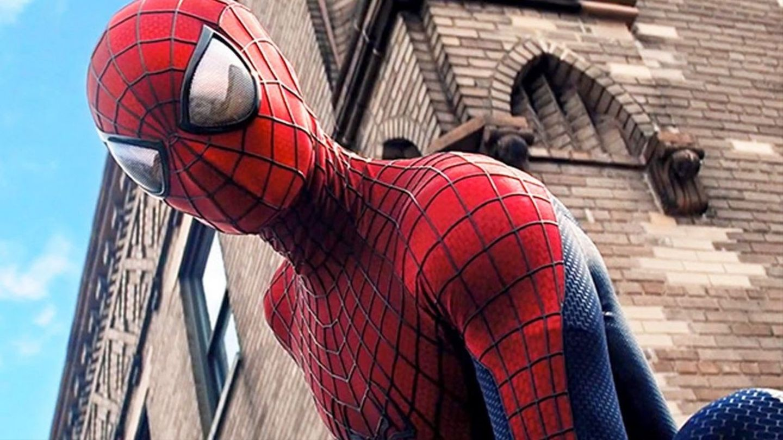 How Spider-Man Got His 'Amazing' New Costume - MTV