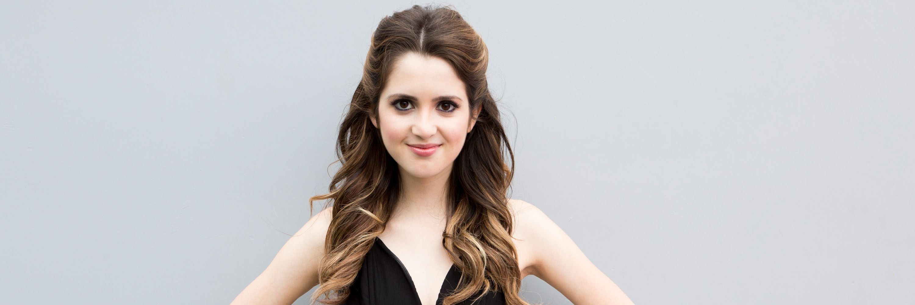 Disney Star Laura Marano Attempts to Apply Liquid Liner With Her EyesClosed photo