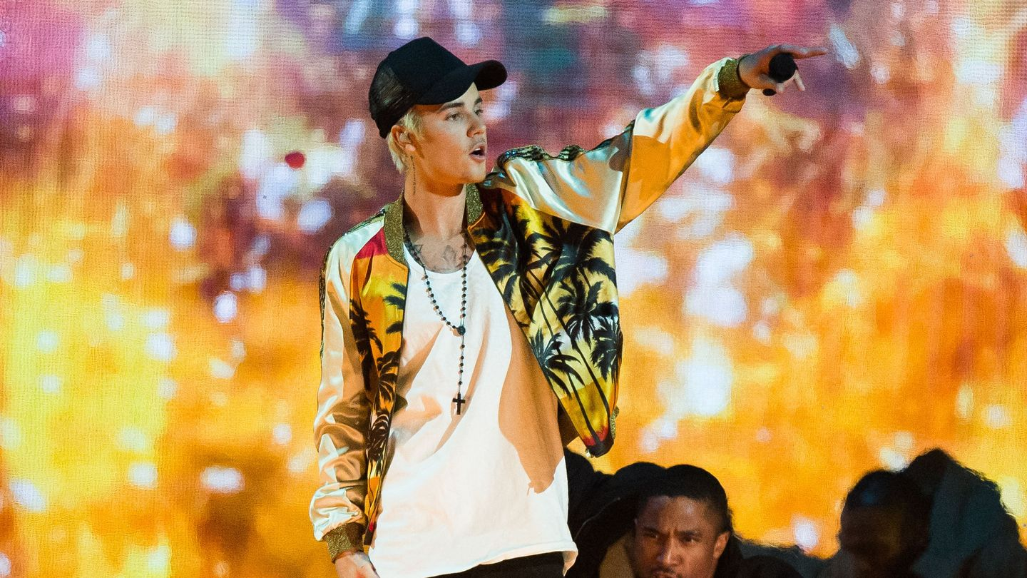 Guess Which One Of Justin Bieber's Bros Is Opening For Him On Tour
