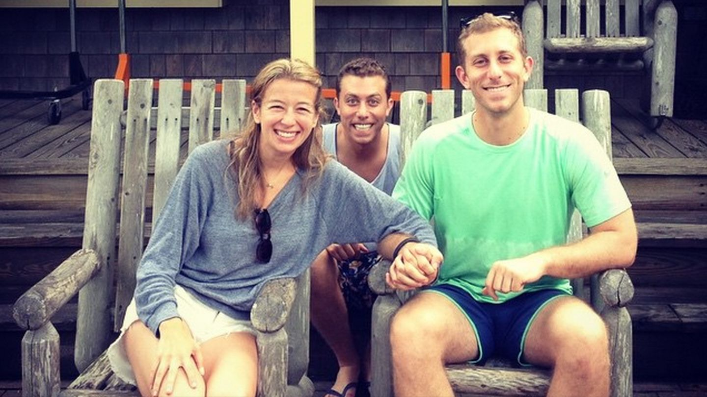 7 Underrated Advantages Of Being A Third Wheel - MTV