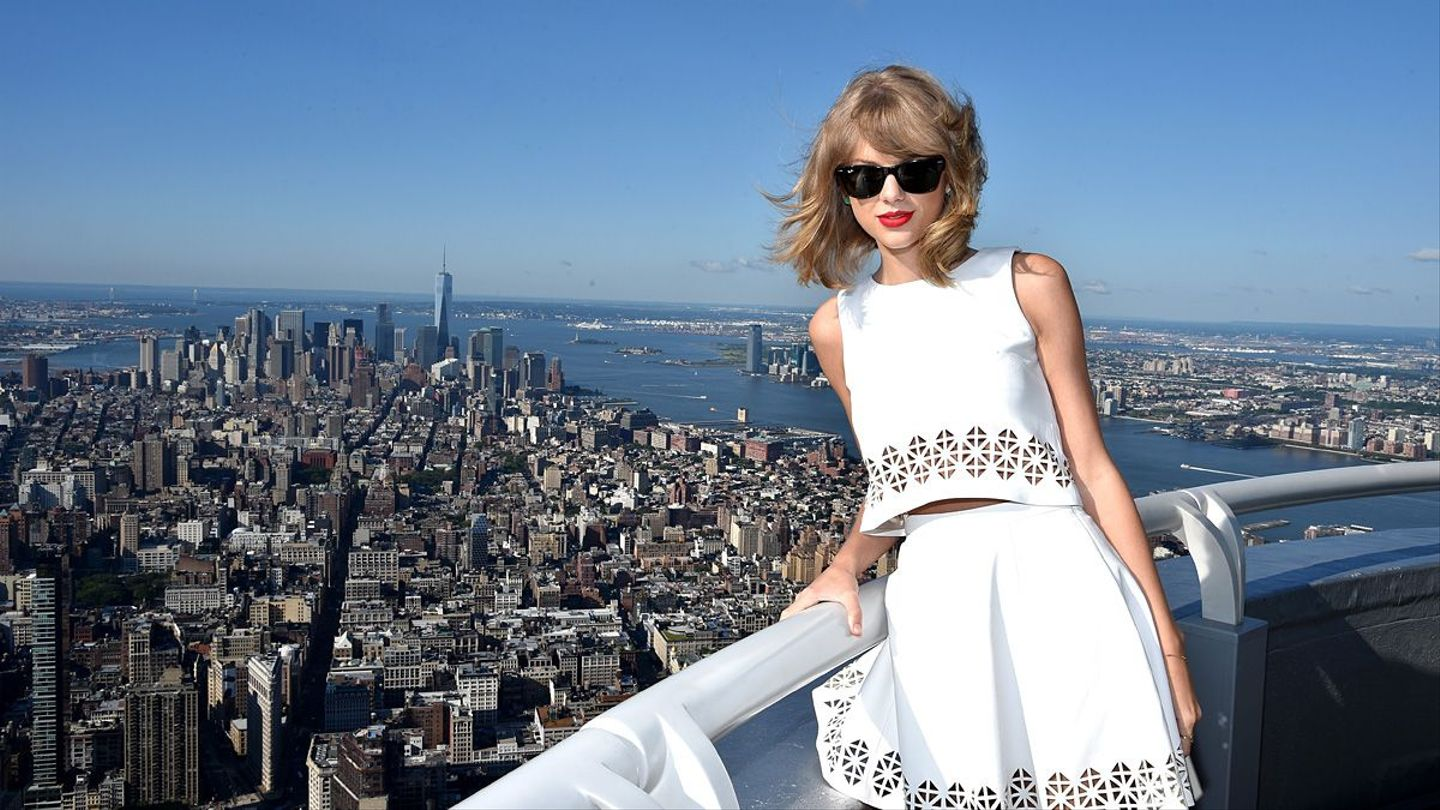See How Taylor Swift's Style Has Transformed Since She Was 16