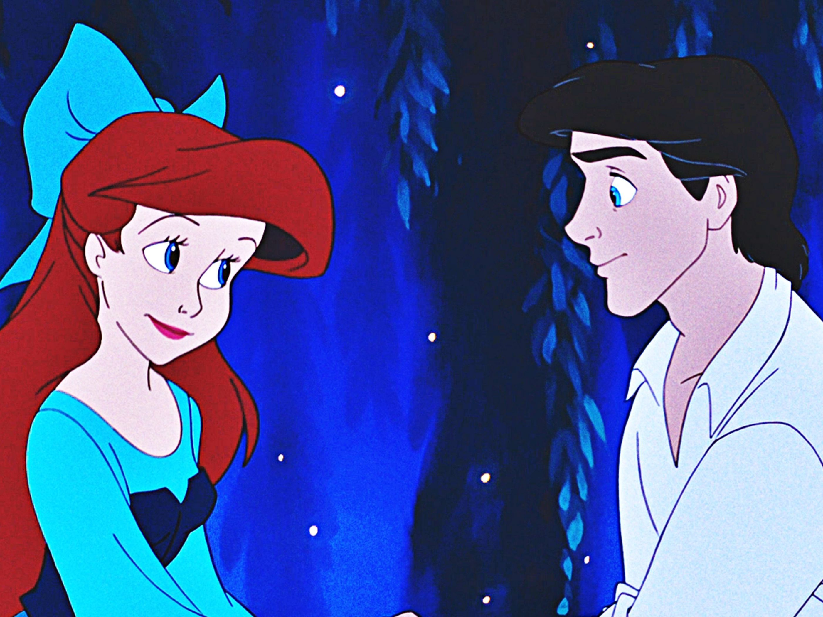 Disney princesses are pregnant and dating