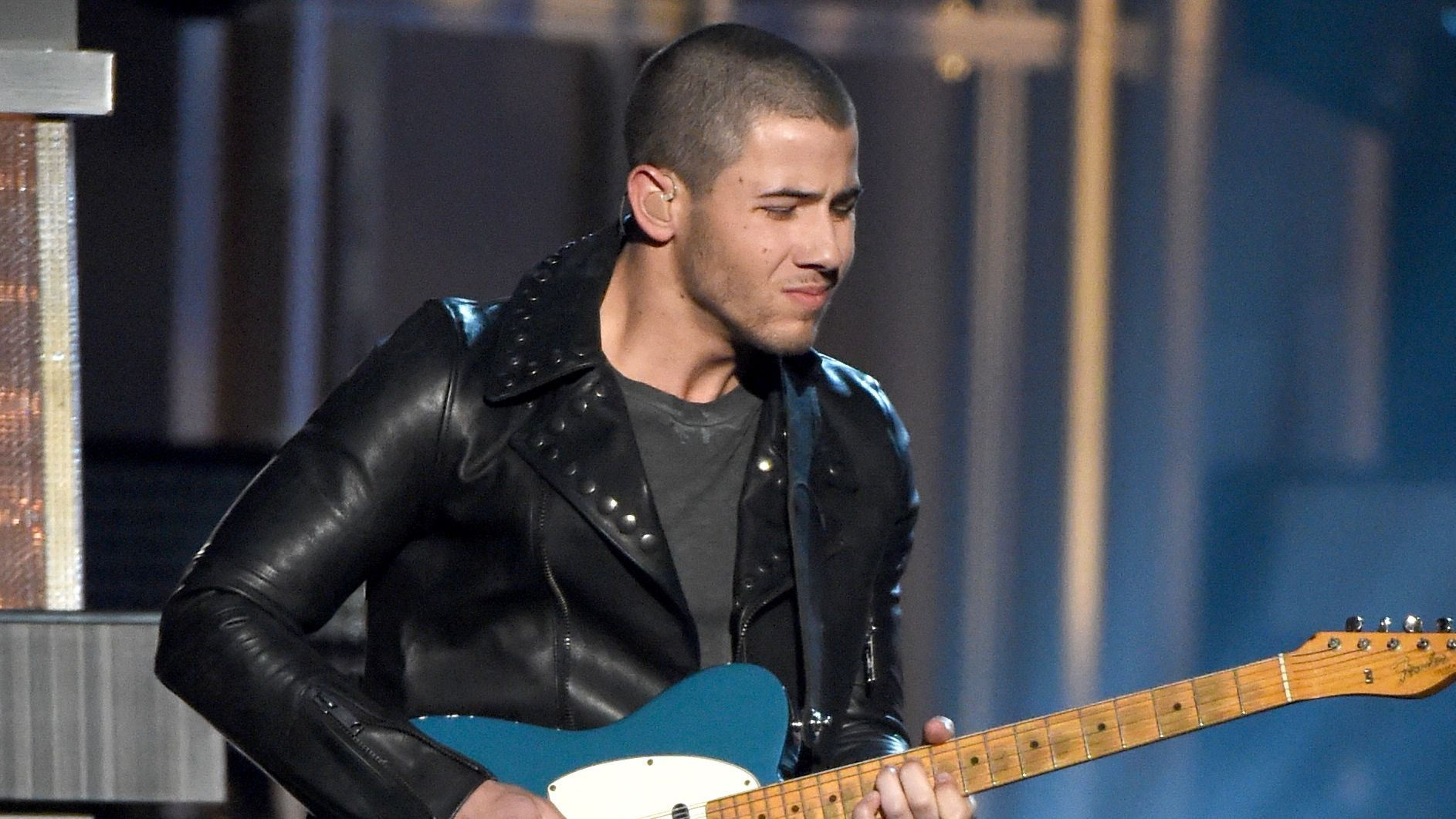 0439d323e0d Nick Jonas Says That Painful Guitar Solo At The ACM Awards Was A  Brain  Fart  - MTV