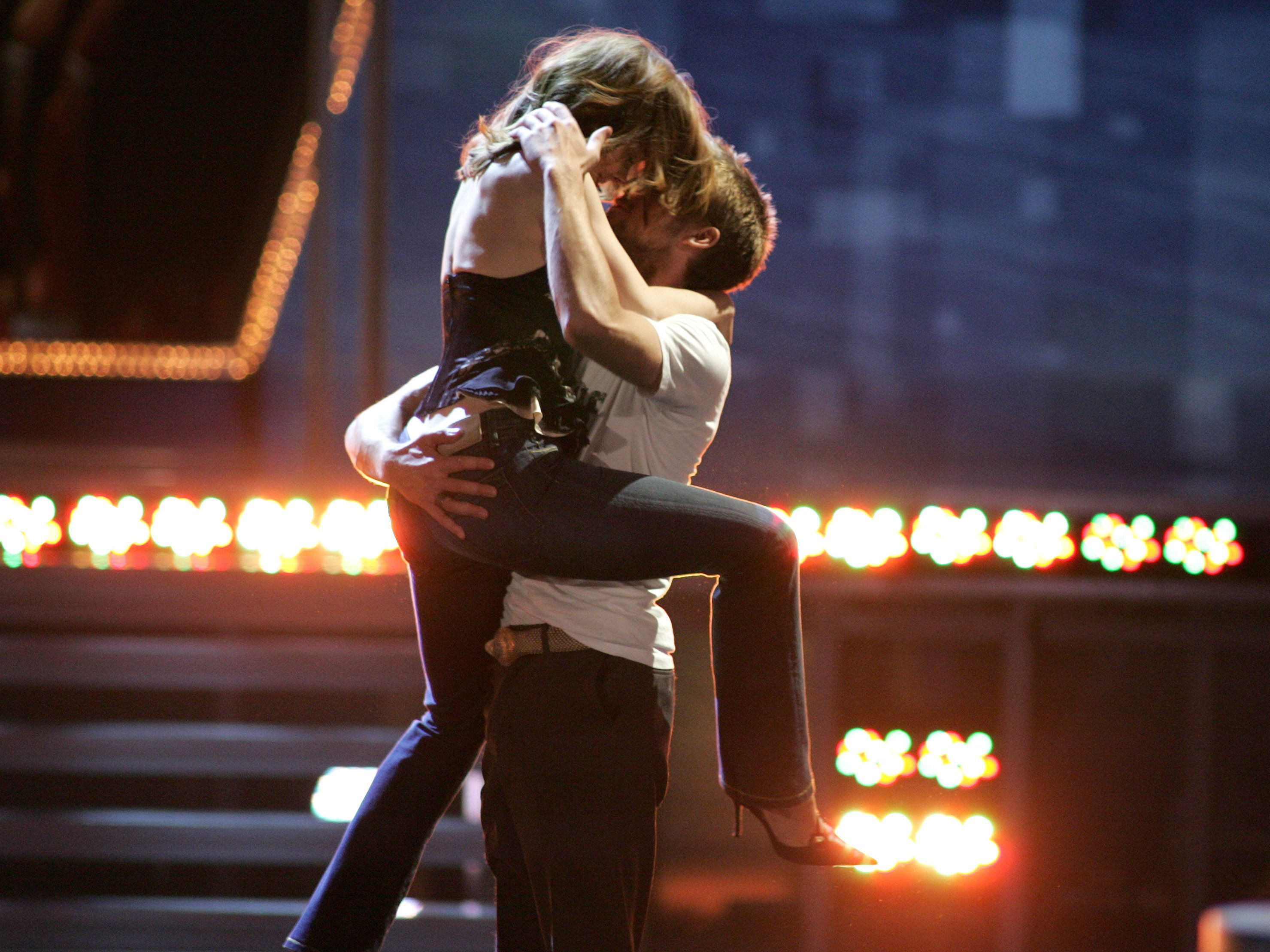 Remember When Ryan Gosling And Rachel McAdams Recreated Their Iconic Notebook  Kiss At The Movie Awards? - MTV