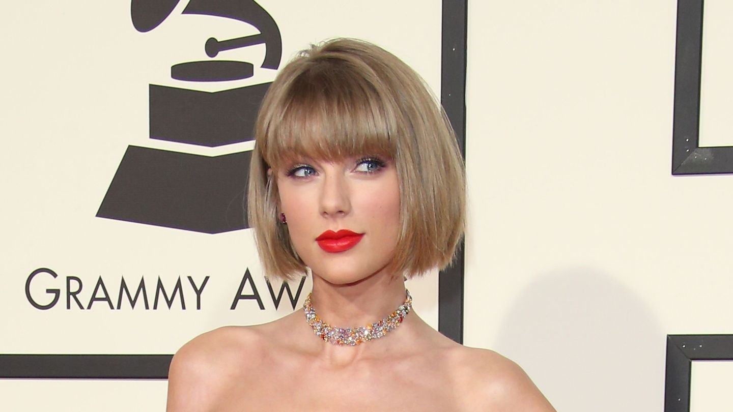 Taylor Swift Is Back To Her Side Gig Creating Greeting Cards Mtv