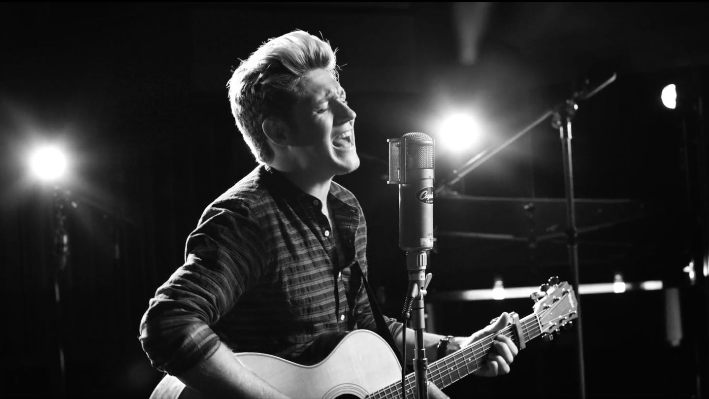Niall Horan Debuts His Very First Solo Single 'This Town'