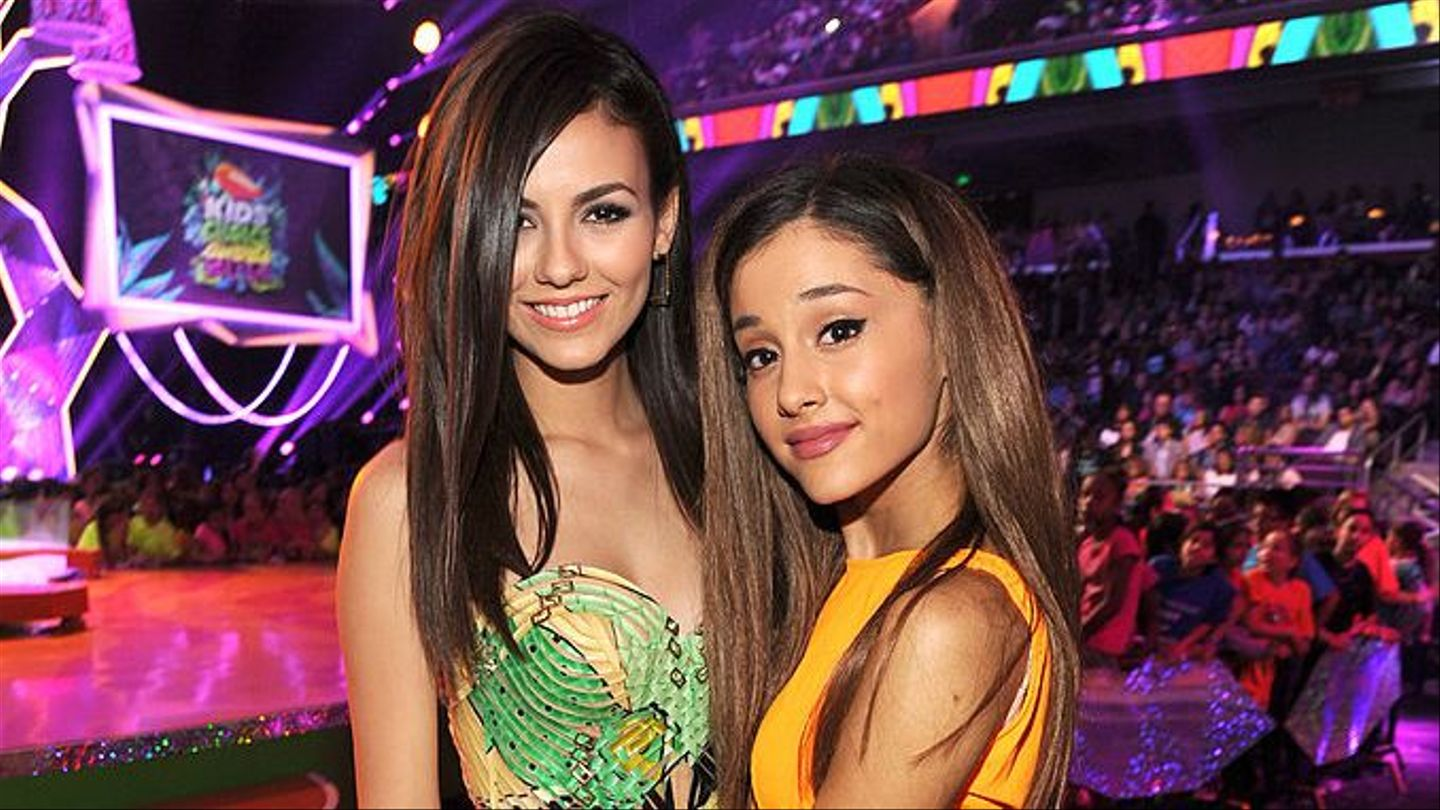 Does Ariana Grande Get Along With Her Former Victorious