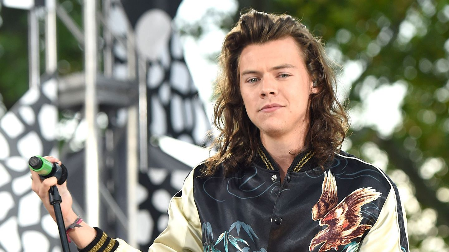 In Defense Of Harry Styles' Wild New Wardrobe And Its Rock Origins