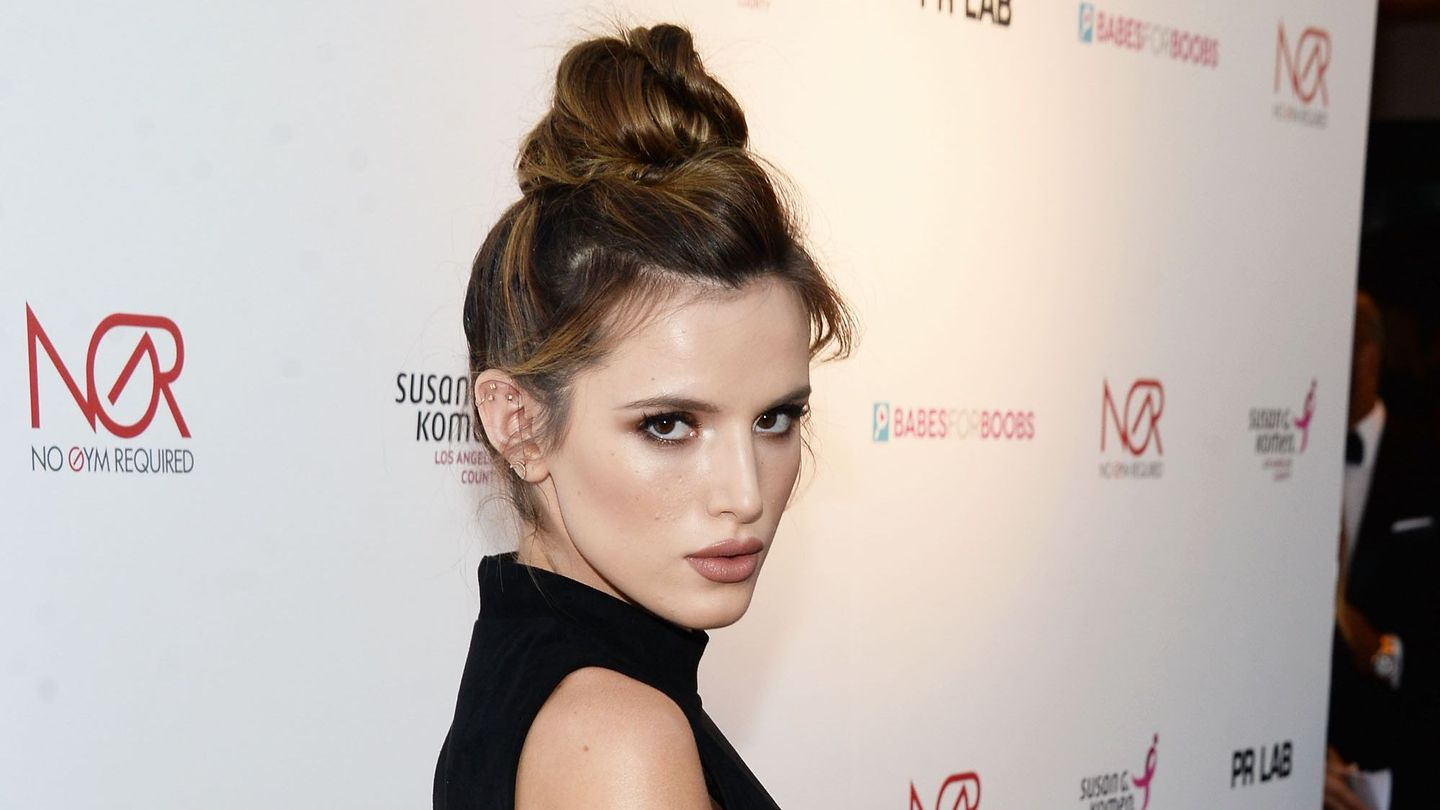 Bella Thorne's New Hair Color Is So Neon It's Blinding