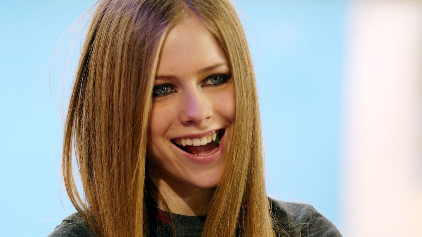 Why Avril Lavigne S Let Go Album Still Matters 15 Years Later Mtv