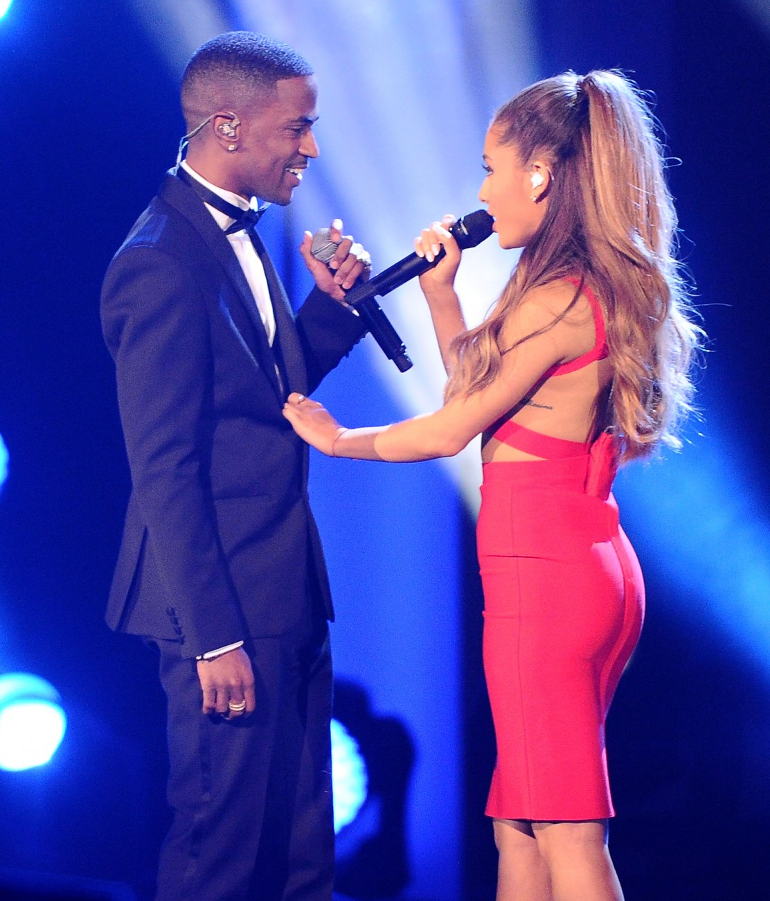 Ariana Grande And Big Sean Look Romantic As Ever Holding Hands, Singing To Each Other
