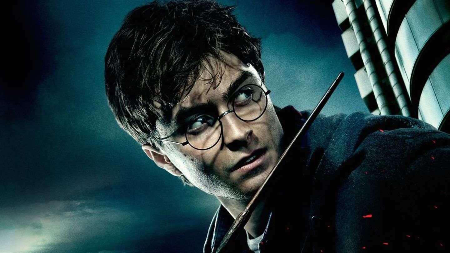 27 Ways Harry Potter Made You Feel Awesome About Wearing Glasses Mtv The perfect addition to any harry potter fan's collection. 27 ways harry potter made you feel