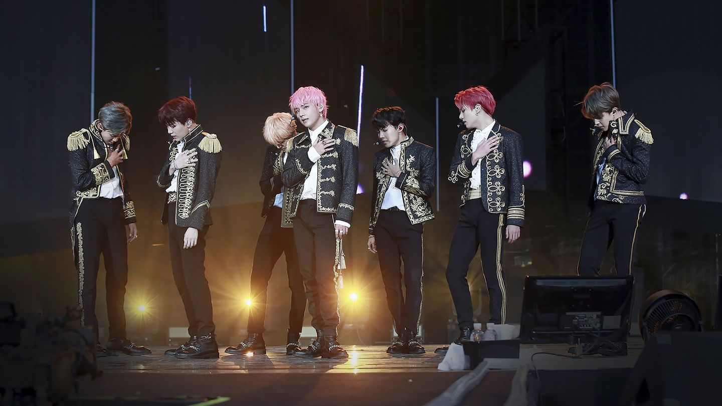 The 10 Most Beautiful Moments Of BTS' Love Yourself Tour - MTV