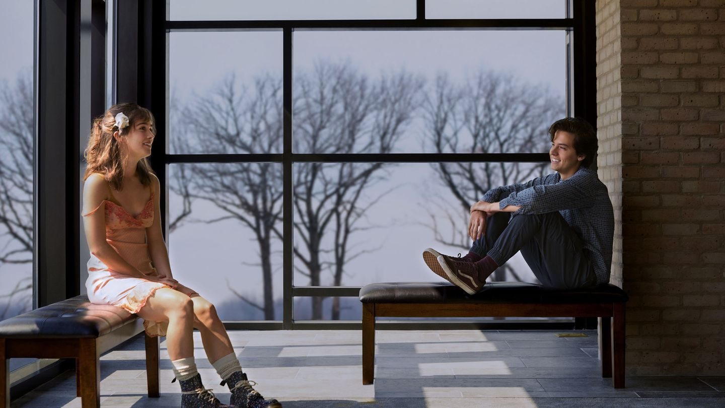 Cole Sprouse And Haley Lu Richardson Risk Death For Love In First Five Feet Apart Trailer
