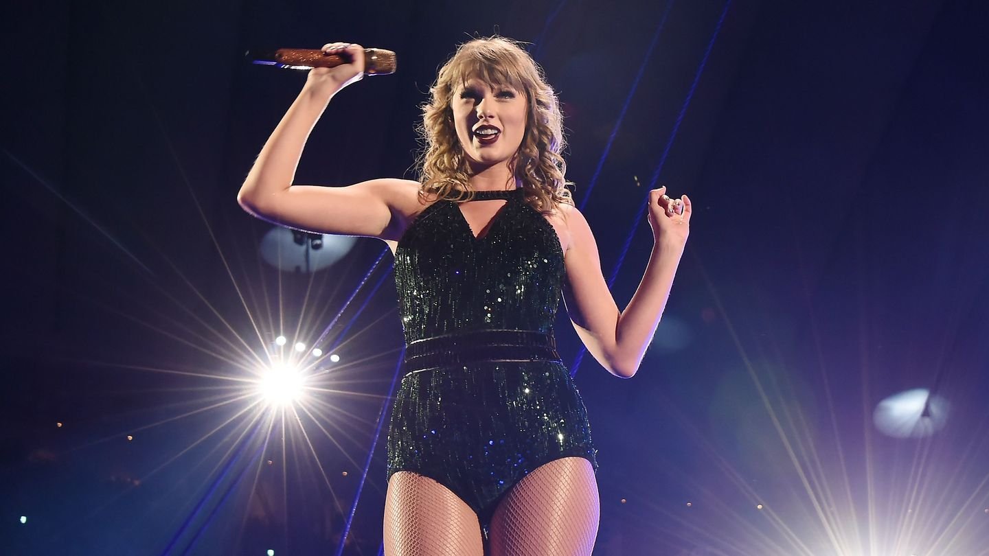 Taylor Swift's Reputation Stadium Tour Is Coming To Netflix Very Soon
