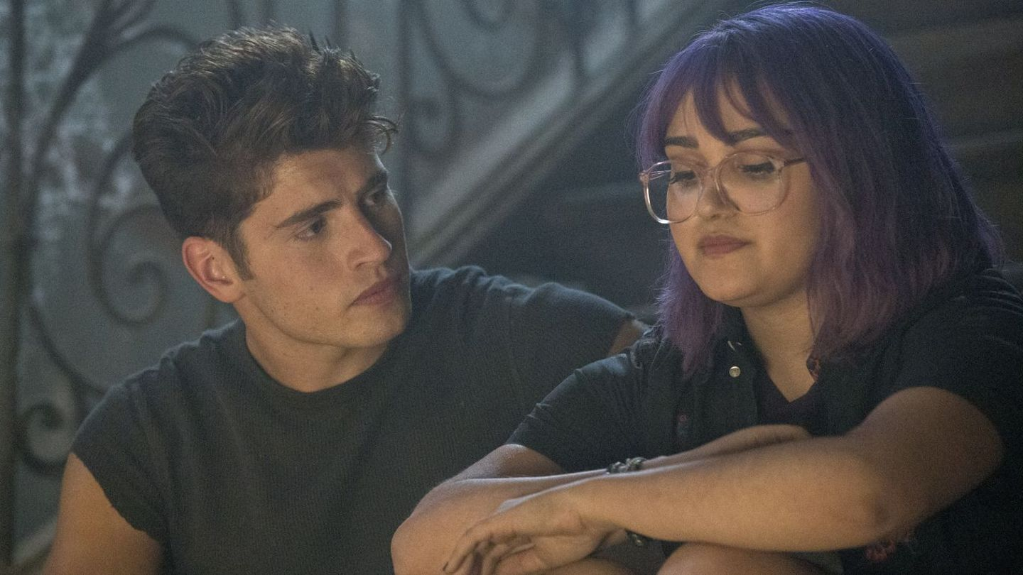 Marvel's Runaways Season 2: Gert And Chase Team Up In This Exclusive Scene