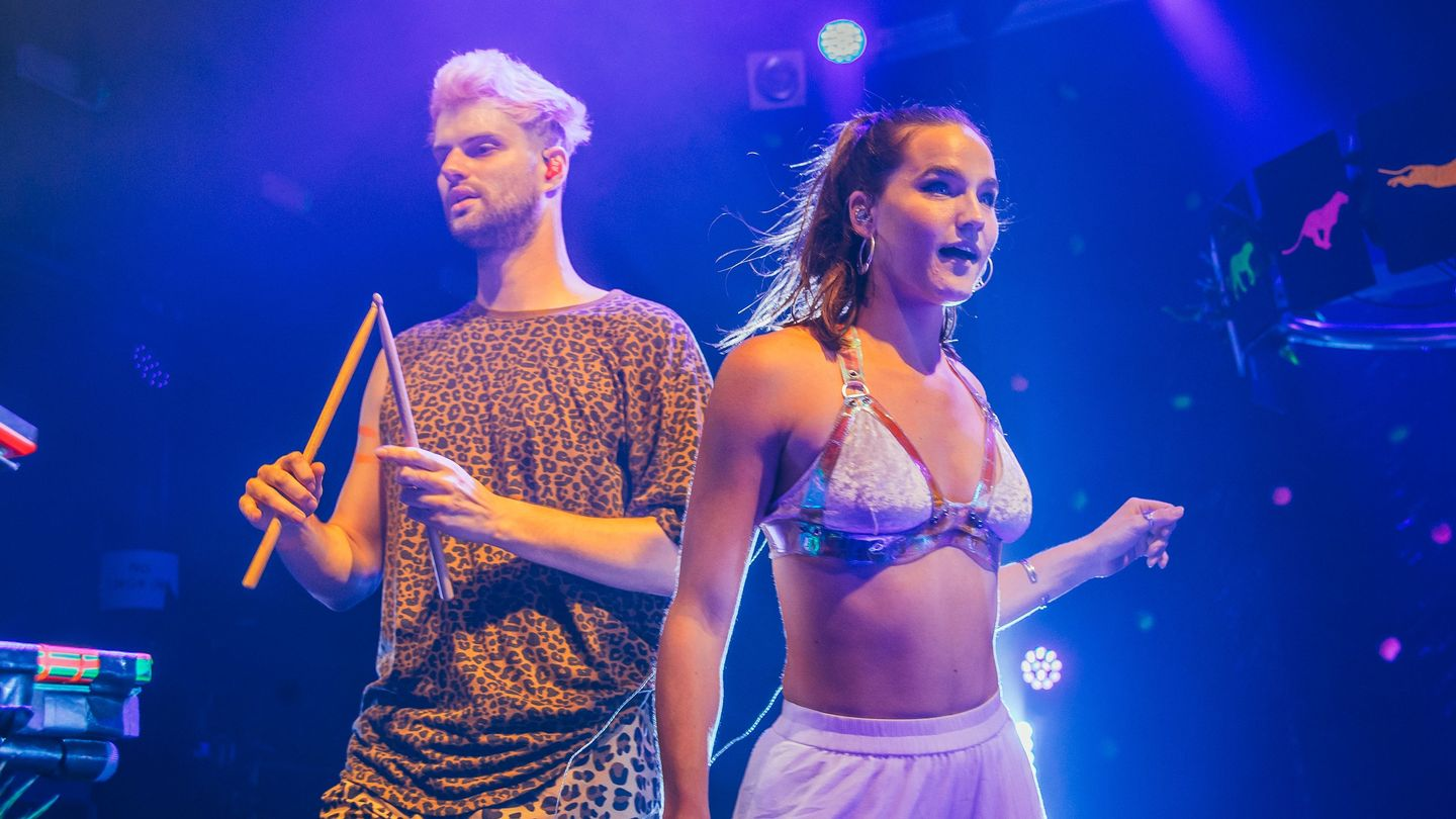 SnowGlobe 2018: Sofi Tukker Discuss Their ZHU Collaboration and 'Treehouse'  Grammy Nom - MTV