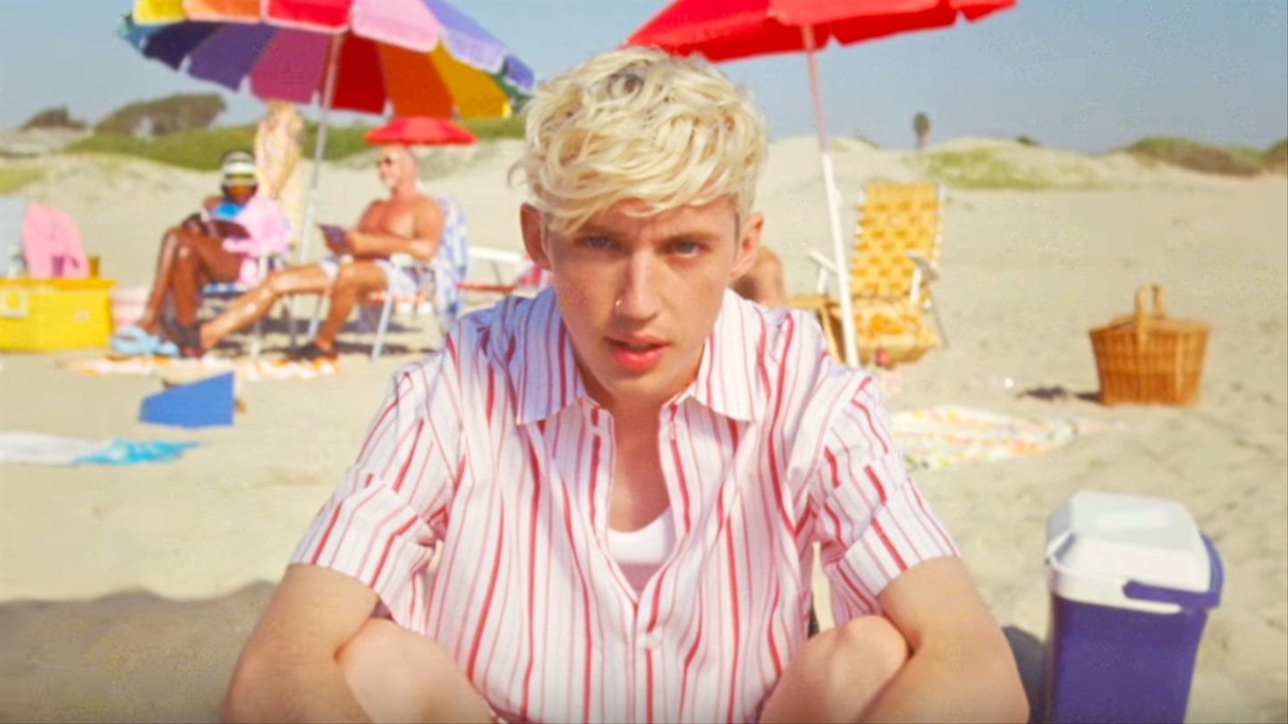 Troye Sivan Has A Literally Heart-wrenching Crush In New 'lucky Strike' Video
