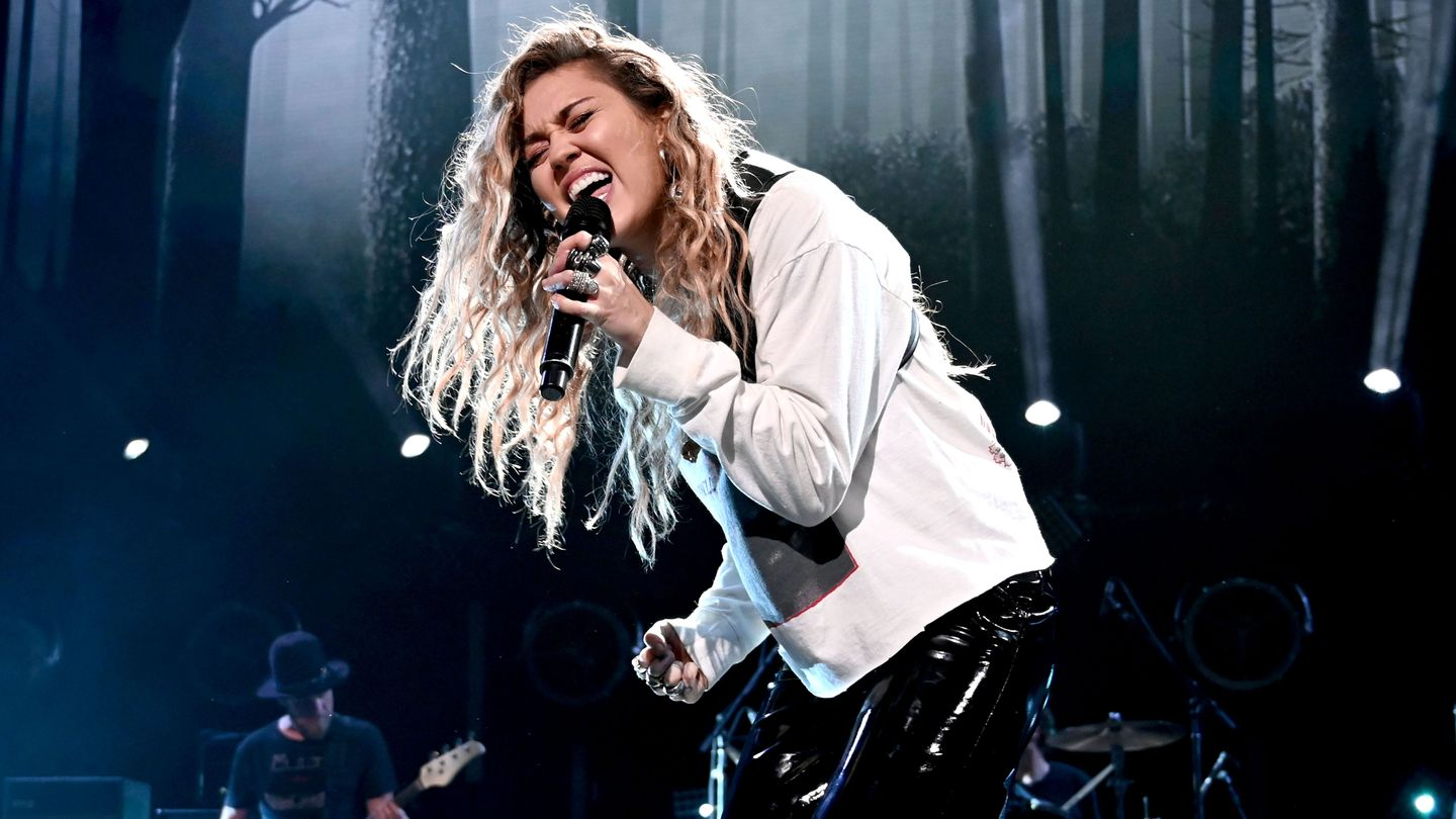 Miley Cyrus Brought The House Down With Her 'Heavenly' Chris Cornell Tribute Performances
